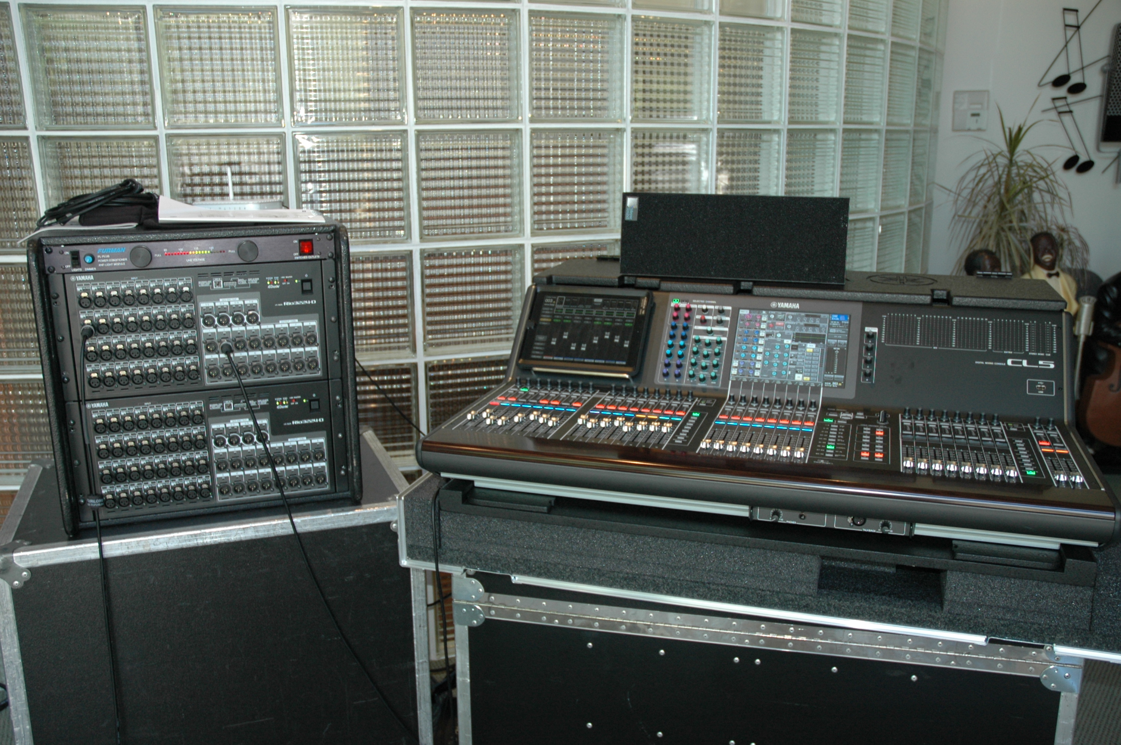 New In Rental Inventory Yamaha Cl5 Digital Console With